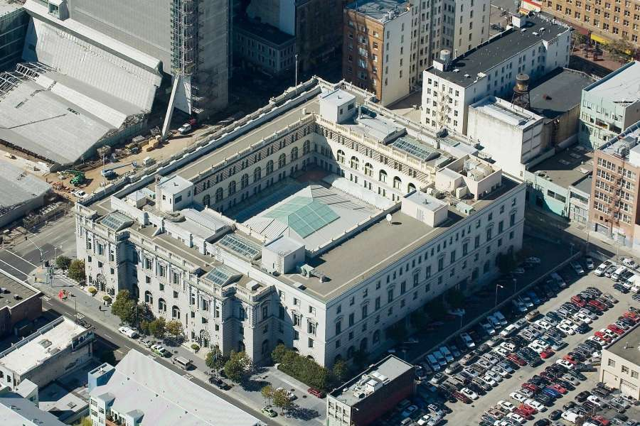 The federal courthouse at Seventh and Mission street in San Francisco — the lot next to it will be developed as housing for formerly homeless people.