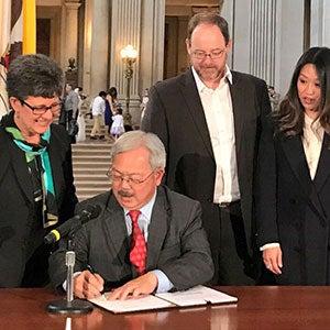 Mayor Lee Signs New Ordinance to Make San Francisco Electric Vehicle Ready